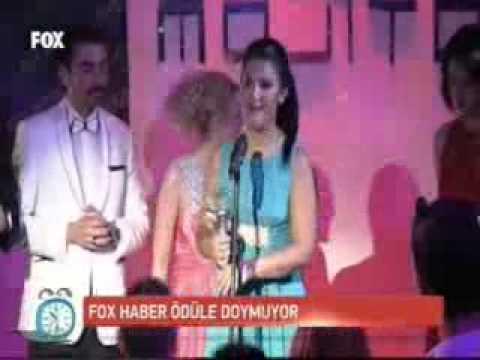 Ezgi Gözeger Evos Angels Gecesinde Ödül Aldı.