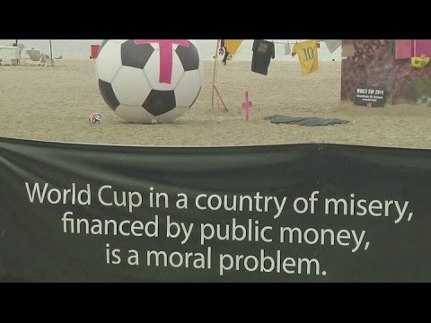 World Cup protest staged on Copacabana Beach [AMBIENT] - Brazil World Cup 2014