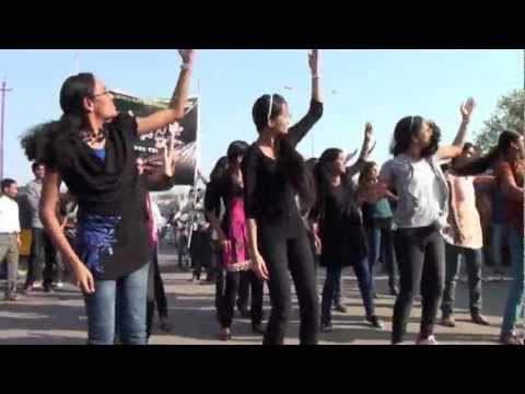 first flash mob in Karimnagar by Vaageswari Engineering college students