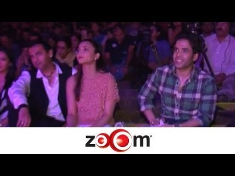 Shruti Haasan, Tusshar Kapoor at the grand finale of Bombay Times Fresh Face 2012