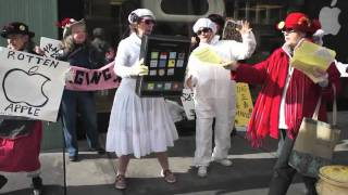 Apple Store Protest_ Raging Grannies Shake it for Workers' Rights