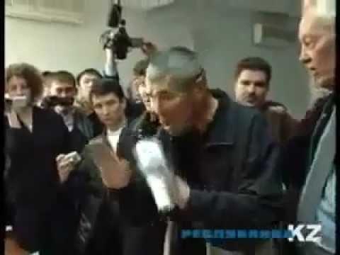Egg attack Kazakh Nazi Атака казахских нацистов
