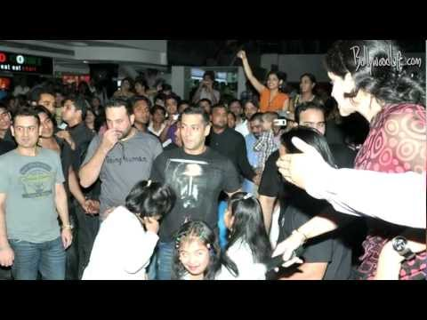 Salman Khan parties hard as Mumbai police fails to locate him