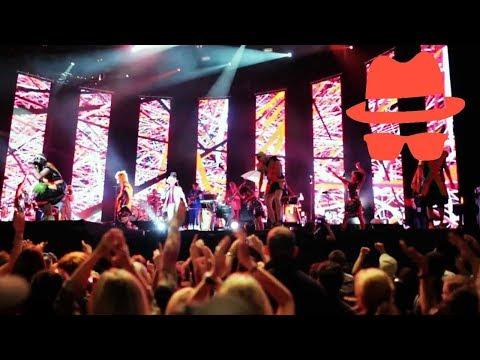 "Jan Delay feat. Deichkind - ""Pump Up Medley"" (Hamburg brennt!!)"