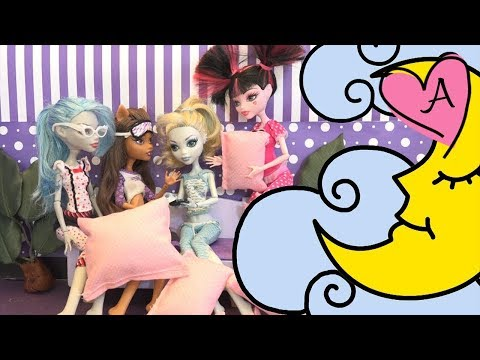 Monster High en español - Fiesta de pijamas - Clawd y Draculaura