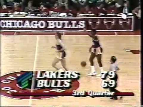 Rookie Jordan schooled by Magic: 1984-85 Lakers @ Bulls