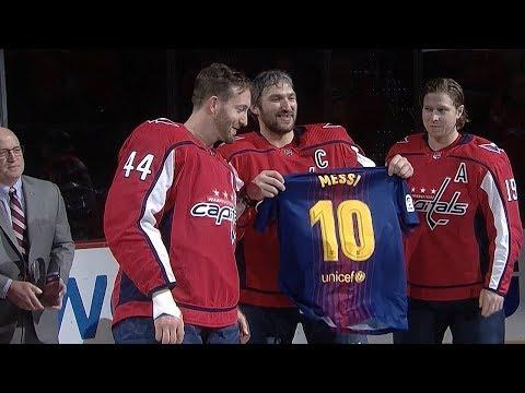 Александра Овечкина поздравили с 1000-ой игрой в НХЛ...