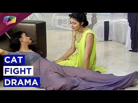 Devika grapples with Nivedita upraise the show Kalash-Ek Vishwaas On Life Ok thumbnail