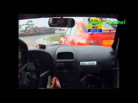 Btcc Matt Neal, Colin Turkington And Anthony Reid Crash Thruxton 2002