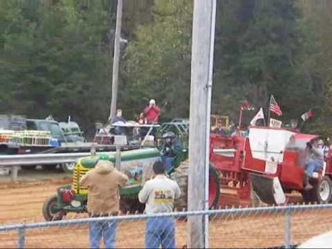 Antique Tractor & Engine Show: Tractor Pull, Oct 2009