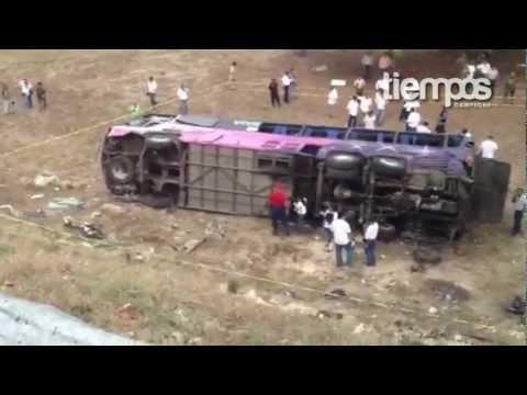 Accidente De Autob�s En Campeche Con Militantes Del Pri En Apoyo A Epn