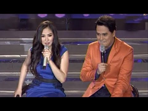 Sarah G sings with John Lloyd
