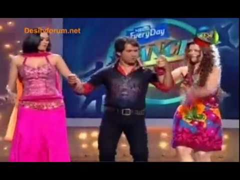 Shweta Tiwari Dances In Pink Dress With Dinesh Ji (dance Sangram) video
