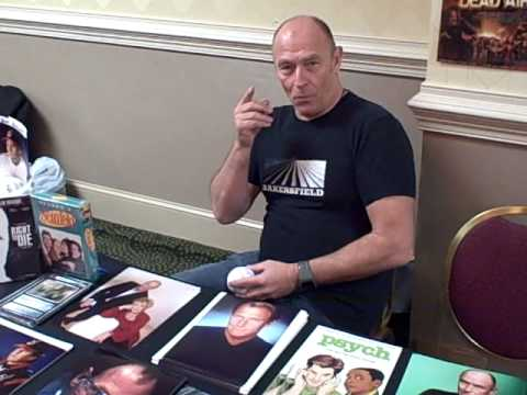 Autograph and Photo with Corbin Bernsen at Monster Mania 2010 Video