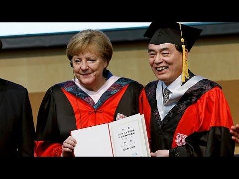 Angela Merkel débute sa visite en Chine
