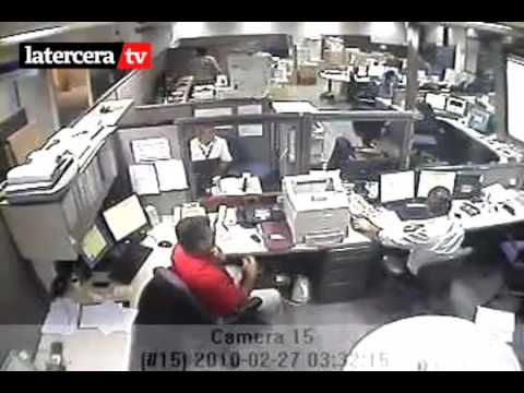 Video del Terremoto 8.8 en Chile en una Oficina