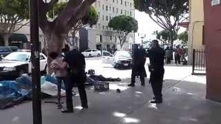 Policia de Los Angeles dispara a un sin techo / Los Angeles police shoot homeless. 01-03-2015
