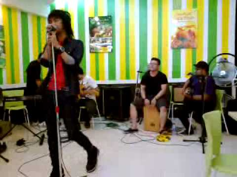 Bojes and The Fighters - You live at Lela Cemput.mp4