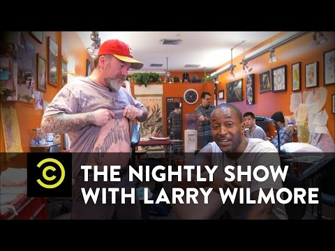 The Nightly Show - Hillary Clinton's Brooklyn Headquarters - Mike Yard