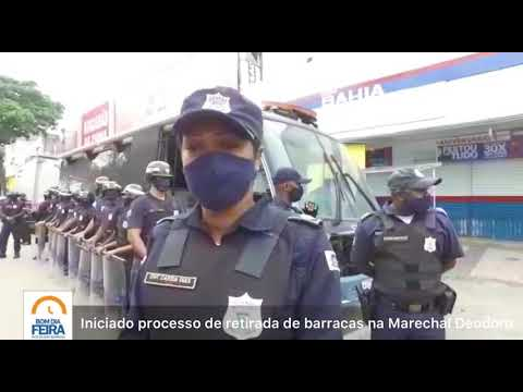 Iniciado processo de retirada de barracas da Marechal Deodoro