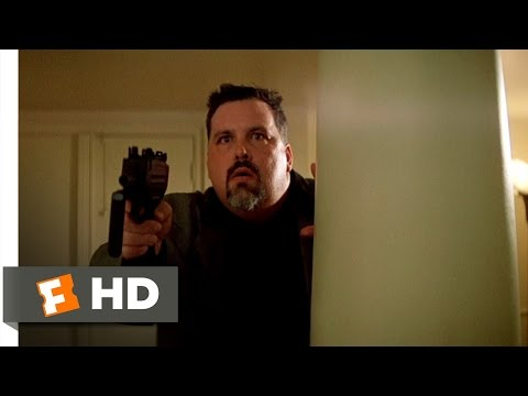 The Professional (1/8) Movie CLIP - Bodyguard Takedown (1994) HD