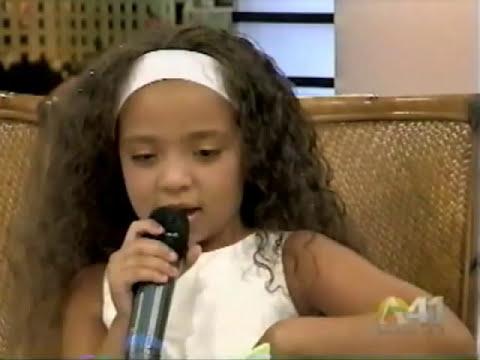 Paola (Nuviola) canta
