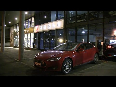 Tesla Model S P85: Review after 1 year. 90k km/60k mi