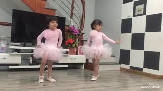 Baby learn dance , bé múa balê