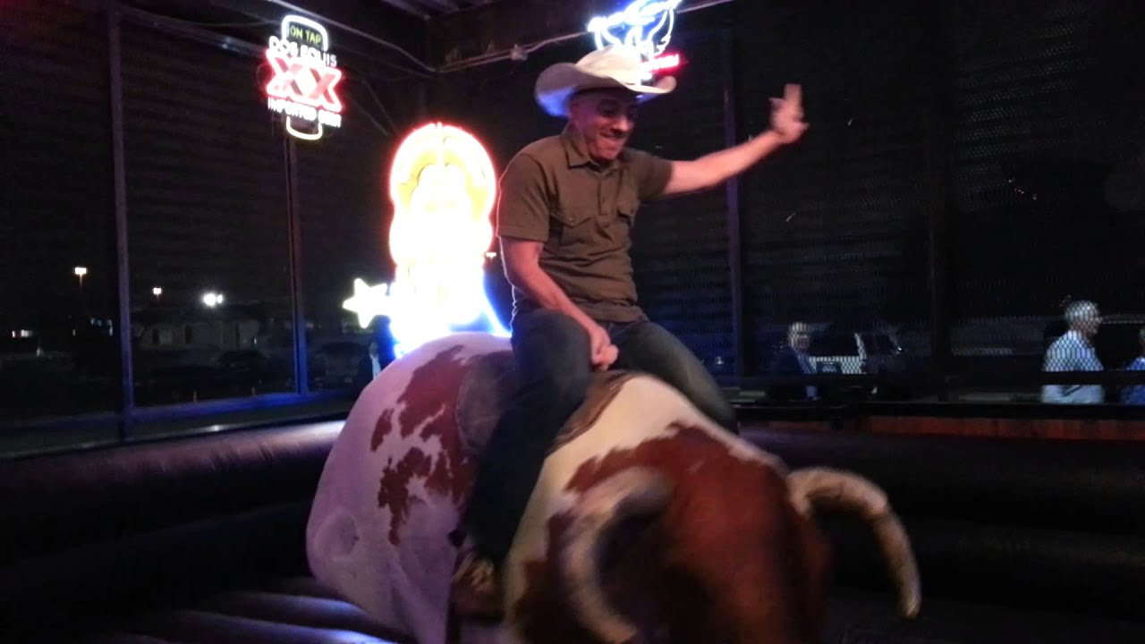 mechanical bull riding in at gilley u0026 39 s in dallas