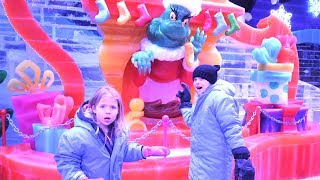 "A COLD ""How The Grinch Stole Christmas!"" Ice Sculpture Exhibit"