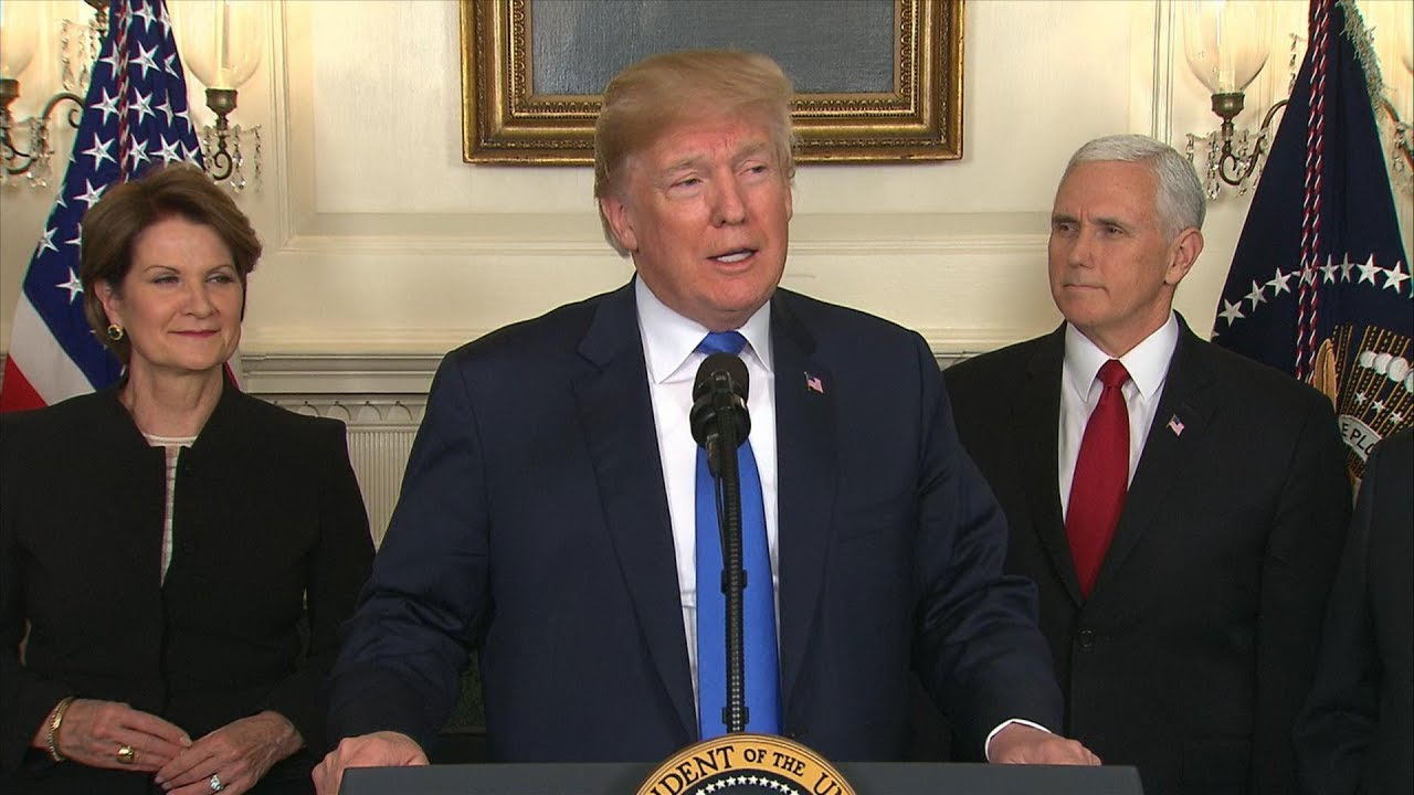 Pres. Donald Trump signs a Presidential Memorandum targeting China's economic aggression | ABC News