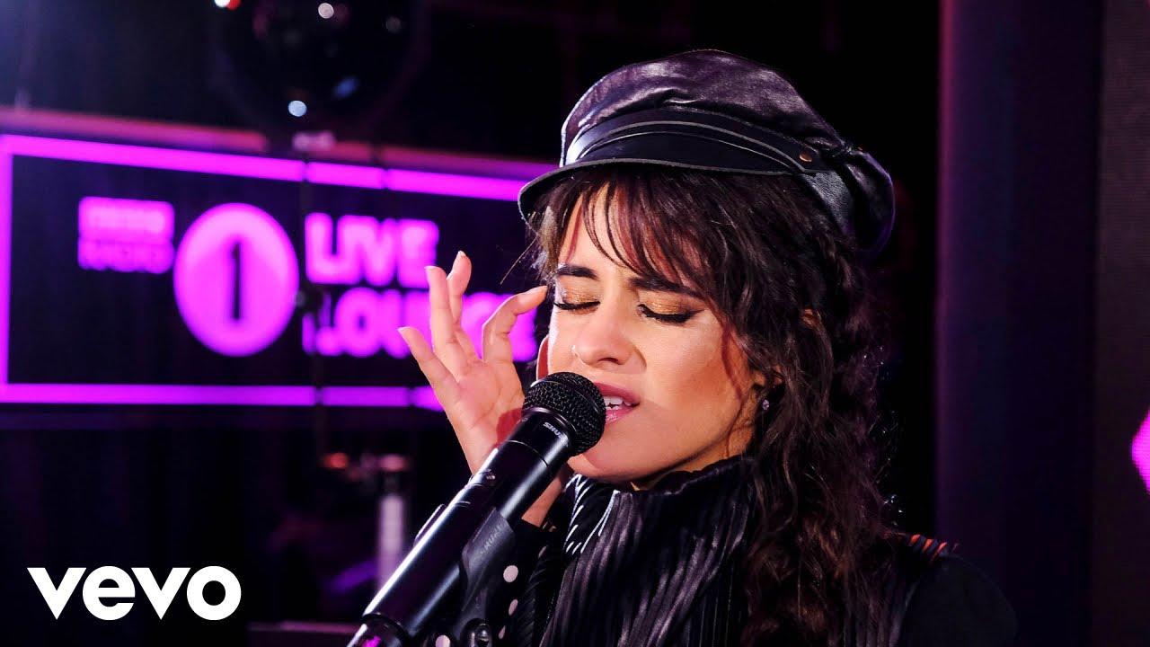 """Camila Cabello - 「BBC Radio 1 Live Lounge」にてLewis Capaldiカバー""""Someone You Loved""""など2曲を披露 スタジオライブ映像を公開 thm Music info Clip"""