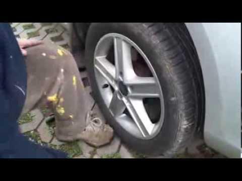 Instrukcja - Wymiana tarcz hamulcowych na przykładzie Ford Focus