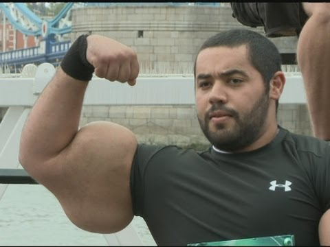 GUINNESS WORLD RECORD: Moustafa Ismail boasts the largest biceps in the world!