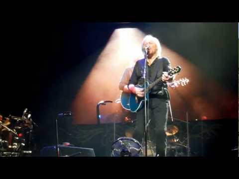 Barry Gibb / Stephen Gibb I've Gotta Get A Message To You Brisbane 16/02/2013