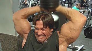 60yr Old Bodybuilder Bench Presses 400 Pounds!