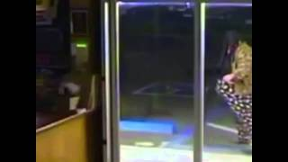 Best burglar ever! funny video