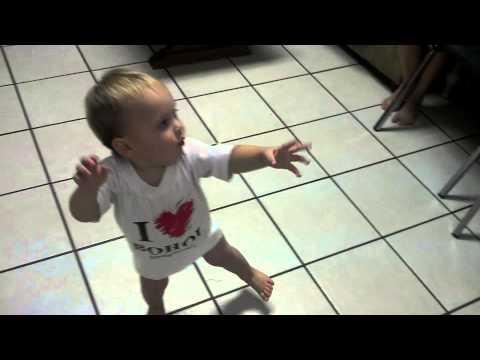 Fat Boy Dances To Thrift Shop thumbnail