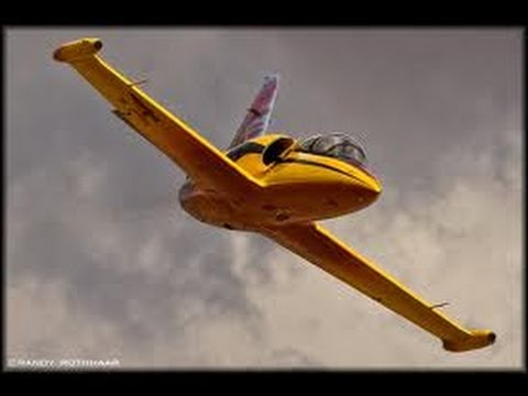 RC JET ENGINE PLANE ULTRA LIGHTNING L-39 --VERY FAST FLY BY