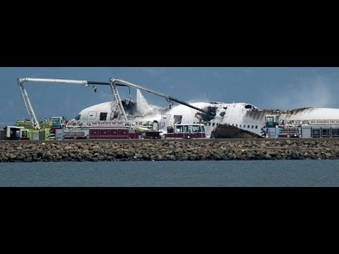 Boeing 777 Asiana Airlines, crashes at San Francisco International Airport while landing 291 people