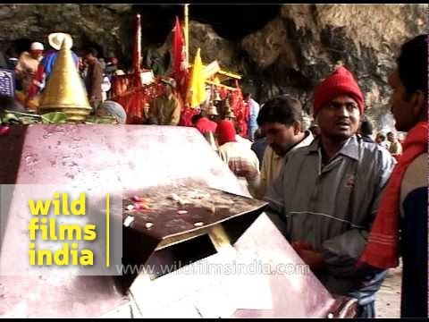 Devotees gather at Amarnath Temple to seek blessings from Lord Shiva