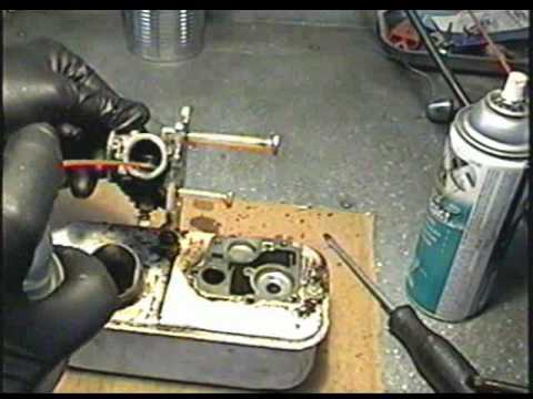 CARBURETOR Repair on Older BRIGGS & STRATTON 3.5HP Engine Part 1 of 2