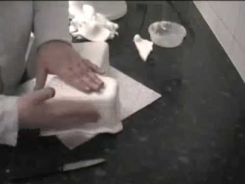Cake Decorating : How to ice a number shaped cake