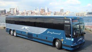 Macky Sall offre deux bus aux ressortissants sénégalais du Togo