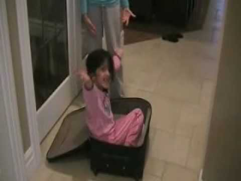 Luggage Girl .wmv