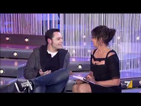 """Tiziano Ferro intervistato da Serena Dandini: """"L'omosessualità in Italia è ancora un tabù"""""""