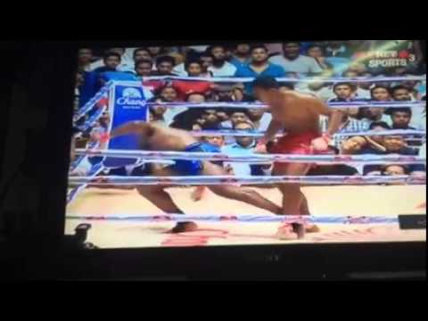 Tun Tun Min (Myanmar) vs Cyrus Washington - Myanmar traditional boxing - Part 2