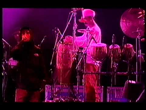 Ian Brown, Can't See Me, live at V98 Festival.MPG