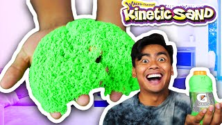 EXPERIMENTING WITH KINETIC SAND!