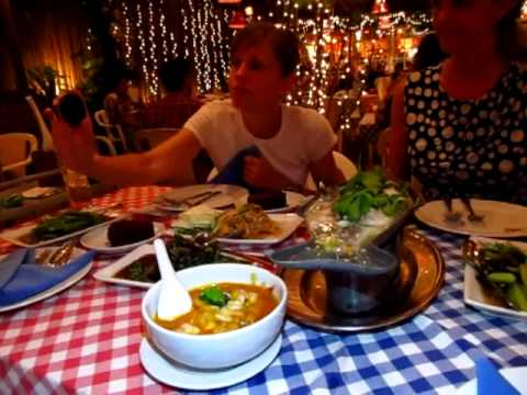 Where to Eat Delicious Thai Food in Bangkok Cabbages & Condoms Sukhumvit Soi 12 - PhilinBangkok.com